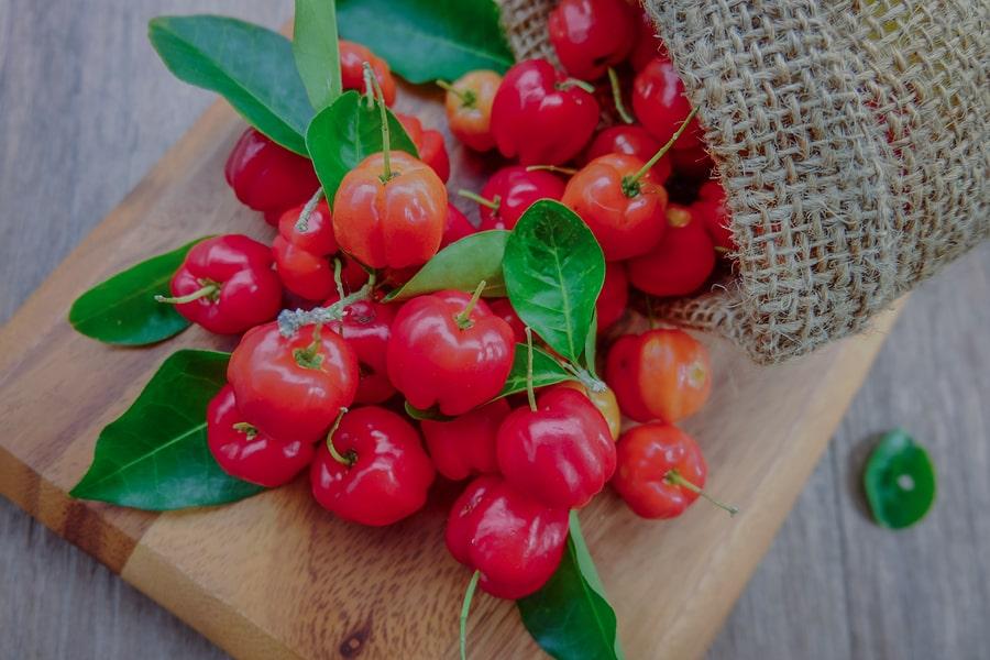 Plody aceroly na doštičke